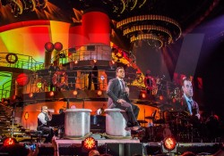 0015_hr_robbie-williams-swing-2014-budapest_photo_ralphlarmann_com_-5v0b2487-scr
