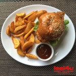 "Am mai testat un burger: Kirk Douglas Chicken Burger de la Little Texas in ""Turul Burgerilor din Iasi″"