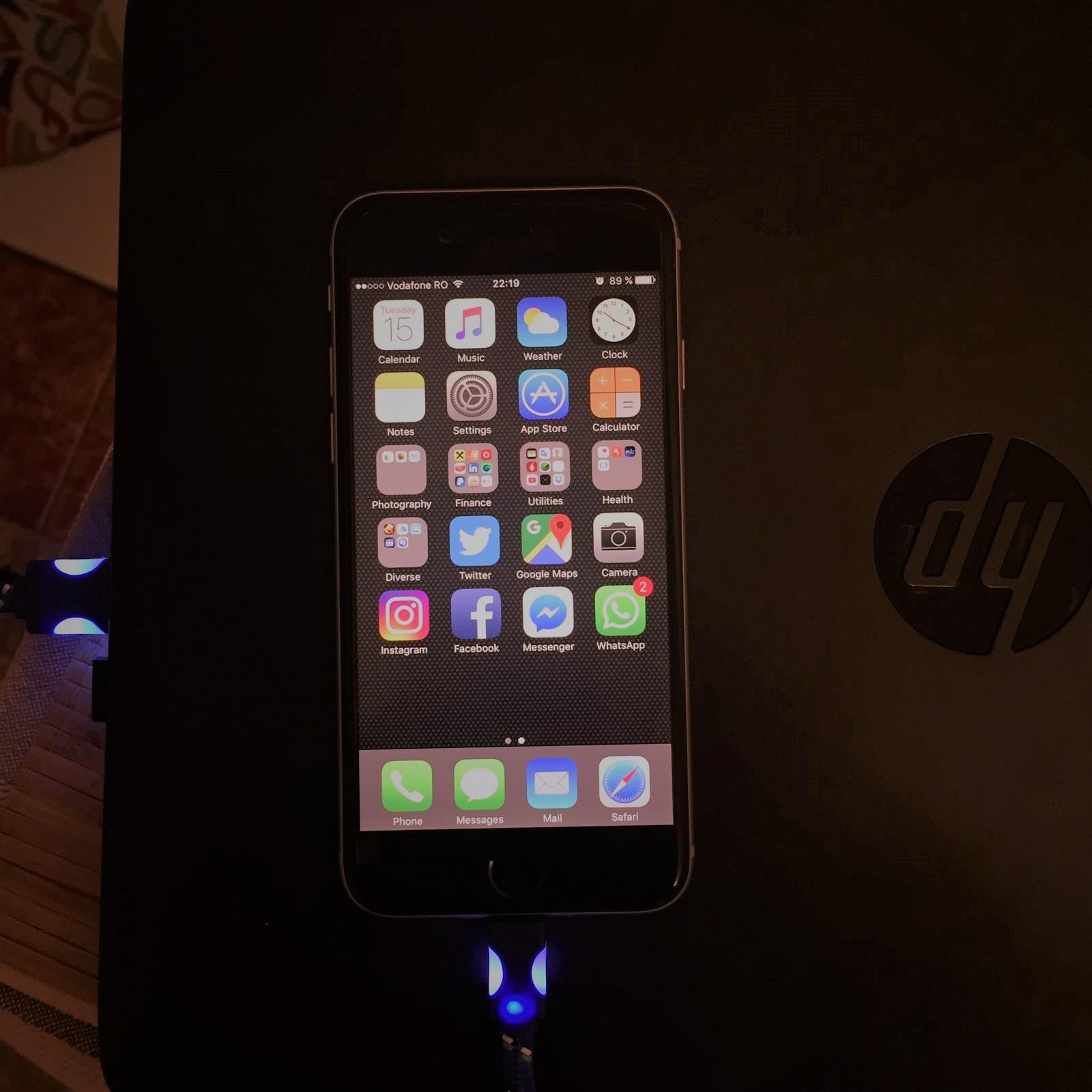 cablu-textil-iphone-6s-cu-lumina