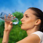 Cele mai importante 5 MOTIVE pentru care trebuie sa bei multa apa!