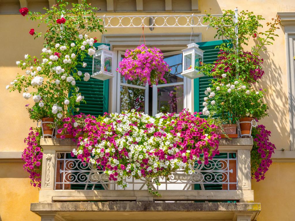 italian-house-balcony