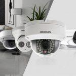 Casa si compania sunt mereu protejate cu sisteme de supraveghere video exterior