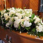Află AVANTAJELE și DEZAVANTAJELE apelării la firme de servicii funerare