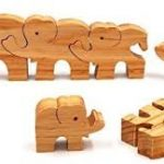 3 beneficii pe care jucariile educative din lemn le ofera copilului tau