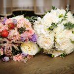 Cele mai frumoase aranjamente facute de un atelier floral la nunta noastra